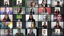 orgullo: 54 nuevos medicos recibieron su titulo en cipolletti