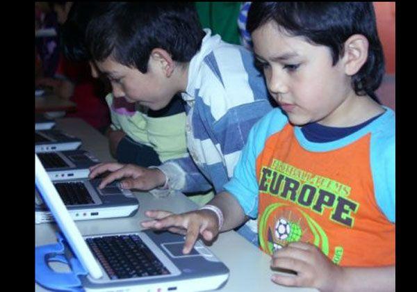 Equipos para crear más aulas digitales