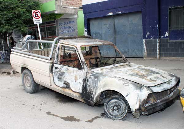 Habrían prendido fuego camioneta tras un robo