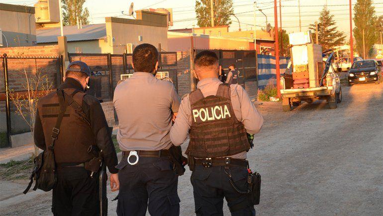 Vecinos y policías evitaron usurpación de una vivienda