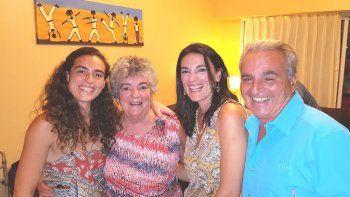 Dra. Ríos, Dr. Allende e hijas.