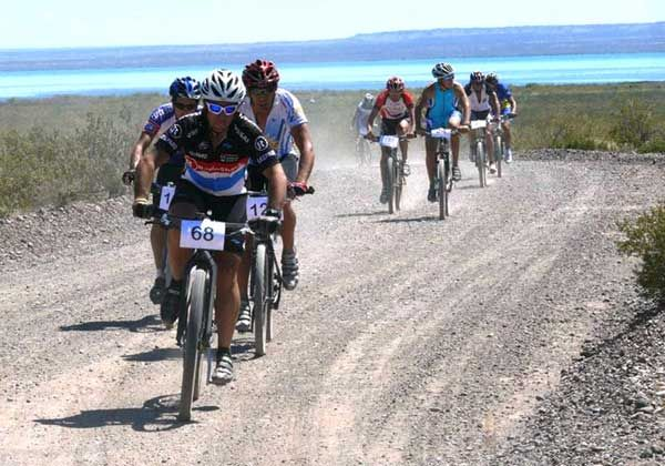 En Cinco Saltos se pone en marcha el Provincial de ciclismo de montaña