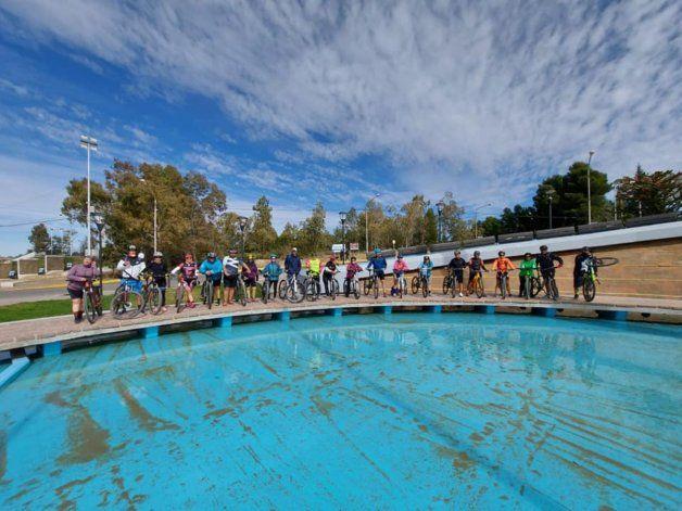 Pedalearon a Neuquén para homenajear al ciclista fallecido