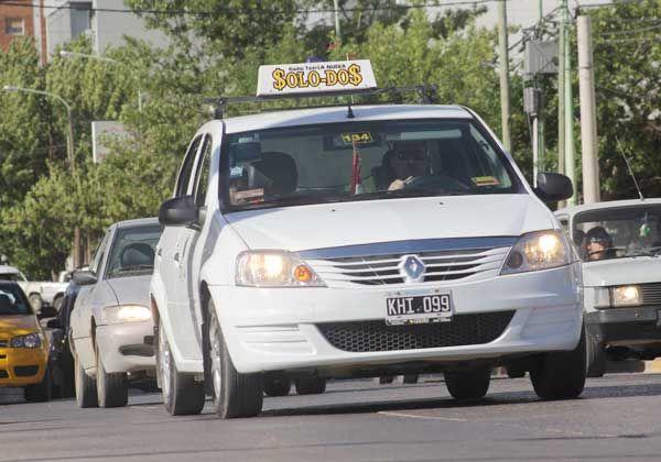 Gestiones para conseguir el blanqueo de choferes de taxis