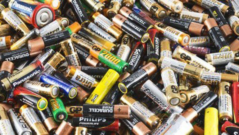 Arrancó la instalación de los recolectores de pilas en Cipolletti