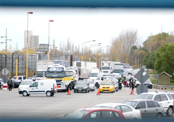 Caos vehicular por protesta neuquina