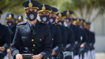 la policia sumo 66 agentes de la escuela de viedma