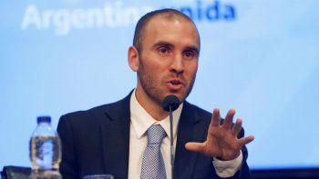 Guzmán anunció nuevas medidas para frenar la suba del dólar