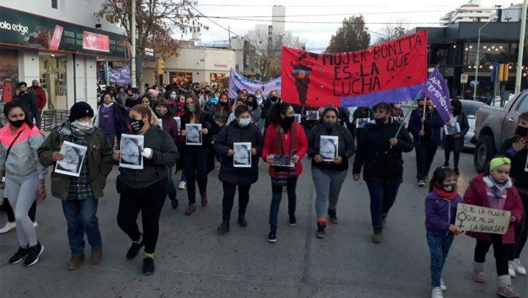 Multitudinaria marcha por el esclarecimiento del femicidio de Agostina