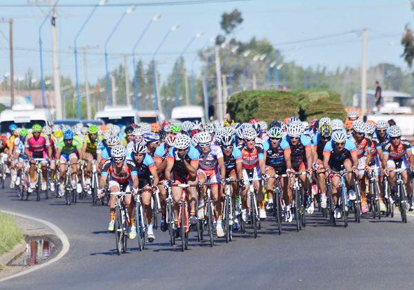 Maquinchao recibe a la Vuelta al Valle de ciclismo