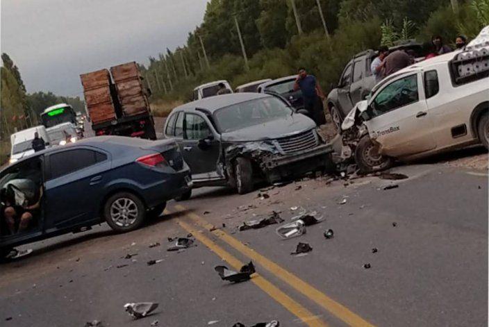 Triple choque en Ruta 151 por una maniobra de sobrepaso