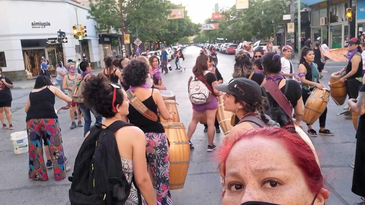 concurrido encuentro y marcha de mujeres y disidencias en cipolletti