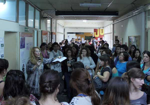 Masiva presencia estudiantil en facultad cipoleña