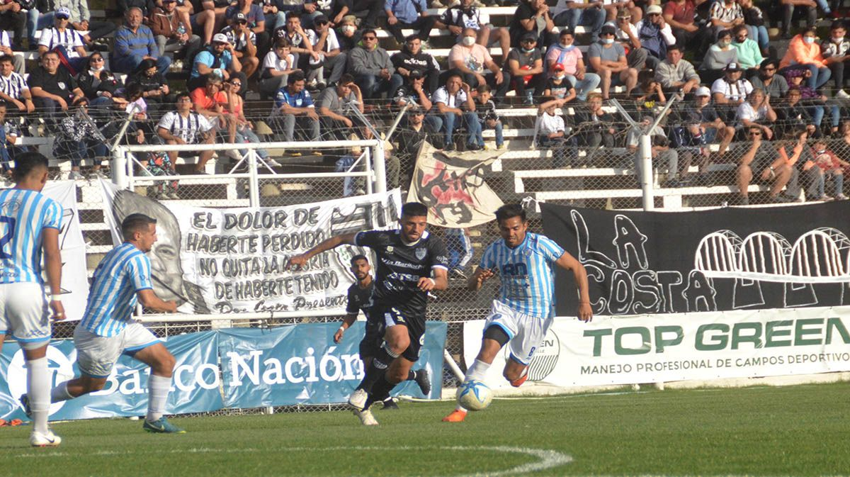Zarate no le falla nunca a Cipolletti. Sigue siendo el máximo goleador.