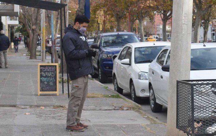 Empleado del estacionamiento denunció que lo agredió un comerciante