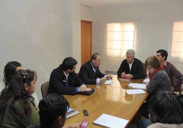 Se reunieron representantes de tomas con la comuna de Cipolletti