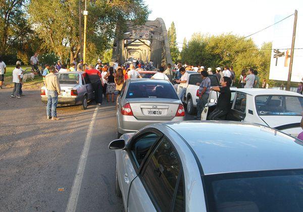 Transitar entre Cipolletti y Neuquén fue una odisea ayer por la tarde