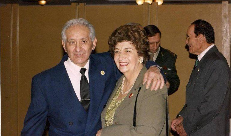 Don Bernardo Sánchez, gendarme, y su esposa Blanca Cassataro, cantante valletana