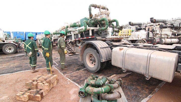 La industria petrolera se protege de la segunda ola