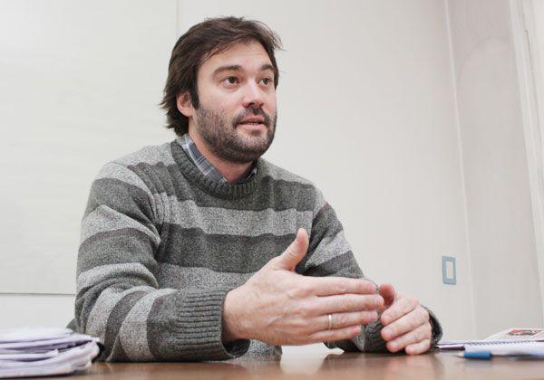 Solicitan colocación de reductores de velocidad en accesos a Fernández Oro