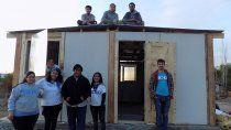Techo viene desplegando hace varios años una labor de ayuda a las familias carenciadas de algunos asentamientos de Cipolletti y Neuquén.      &nb