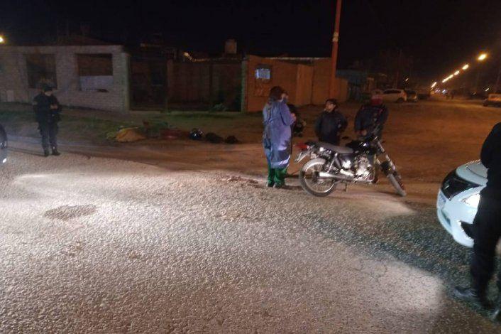 Embistió a un motociclista y escapó: la Policía lo está buscando