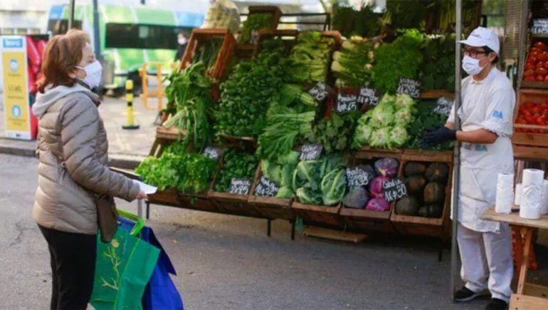 Nación lanza una canasta de alimentos a precios rebajados