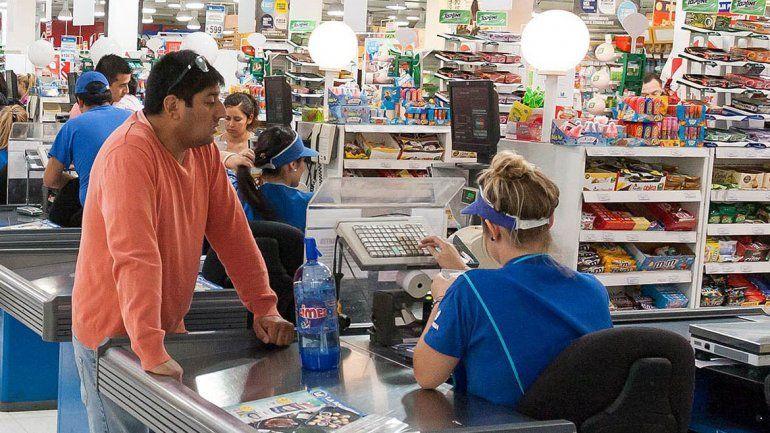 Preocupación por la caída de las ventas en supermercados de la zona