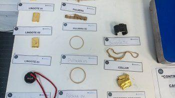 una ex reina de la nieve fue procesada por contrabando de oro