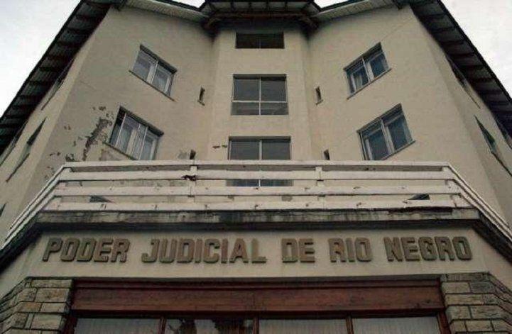 Evacuaron el edificio judicial de Bariloche por una granada.