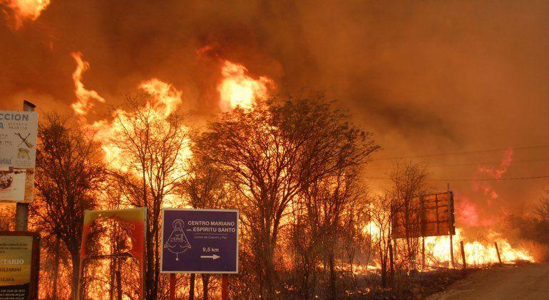 Incendios forestales en Córdoba: viviendas quemadas y cientos de evacuados