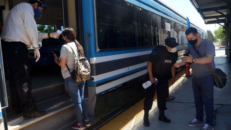 Cómo es viajar en el Tren del Valle en pandemia