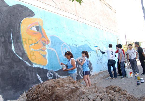 Pintaron un mural en las paredes del Club San Martín