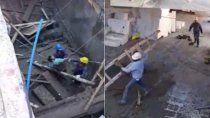 video: asi rescataron a un obrero atrapado tras el derrumbe