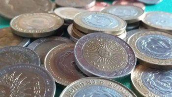 coleccionista aconseja guardar las monedas de un peso con error