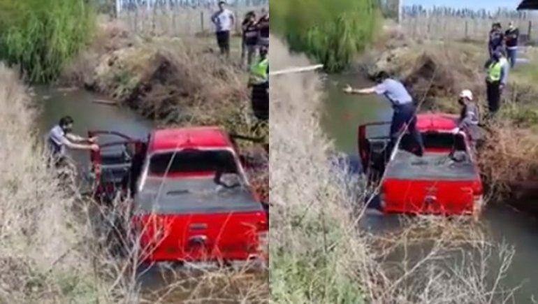Ex inendente perdió el control de su camioneta y cayó a un desagüe