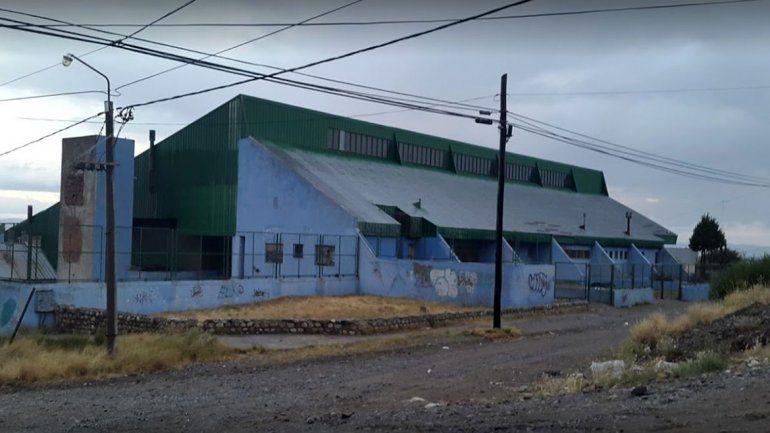 Docente de Bariloche acusado de abusar de una nena no se presentó al juicio y pidieron la prisión