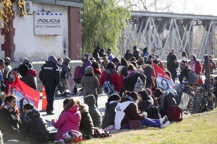 Jueves de caos: organizaciones sociales cortarán los puentes