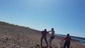 los barreales: fueron a comer un asado y los atacaron con cuchillos