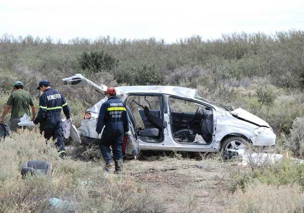 Tres muertos en un vuelco en Ruta 22