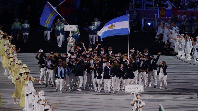Juegos Olímpicos: así fue el eufórico ingreso de la delegación argentina