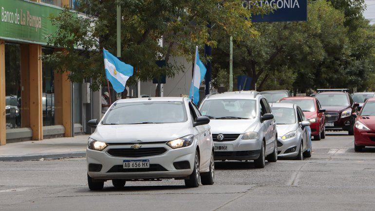 Caravana en Cipolletti contra el impuestazo