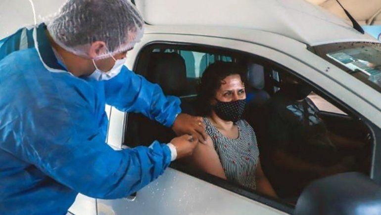 Inauguran en Roca un Auto-Vac para vacunarse sin bajarse del auto