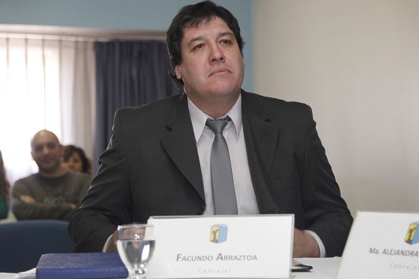 Facundo Arraztoa asumió como Concejal en Cipolletti