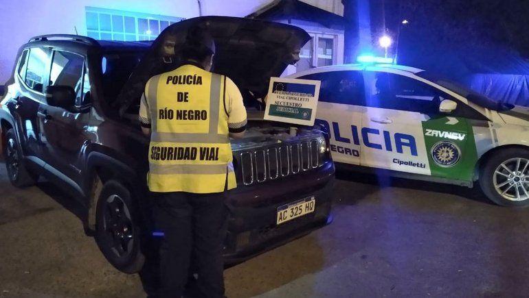 Secuestraron una lujosa Jeep durante un control de la Policía