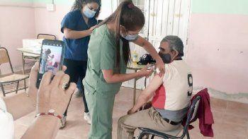 vacunan a mayores de parajes de la linea sur