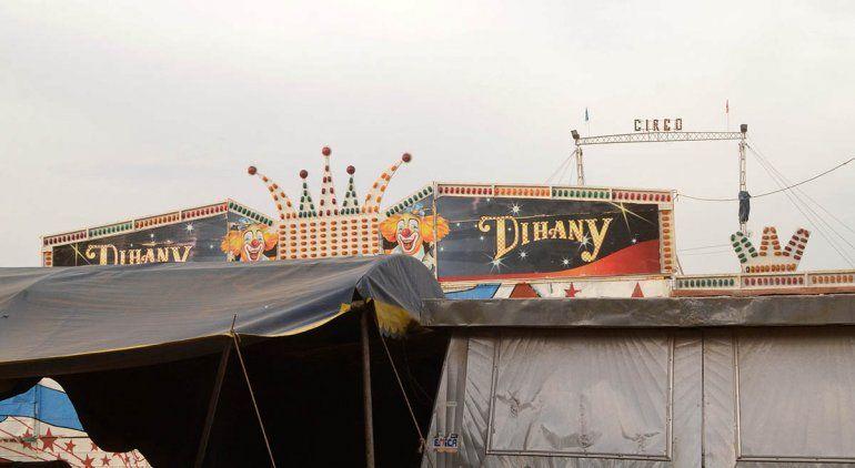 Quiso ingresar más gente al circo varado y hubo tensión