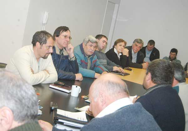 Chacareros aceptan medidas  propuestas por Provincia