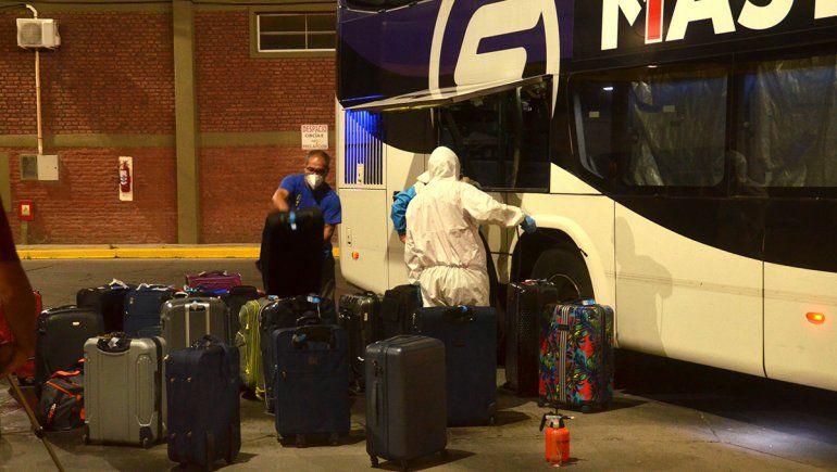 Hablaron familiares de egresados con Covid-19: ¿Qué pasó durante el viaje?