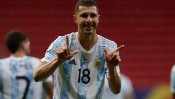El festejo de gol de Guido Rodríguez.